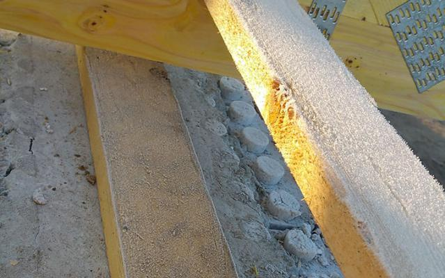 Pannes sablières sont installées sur le voile béton