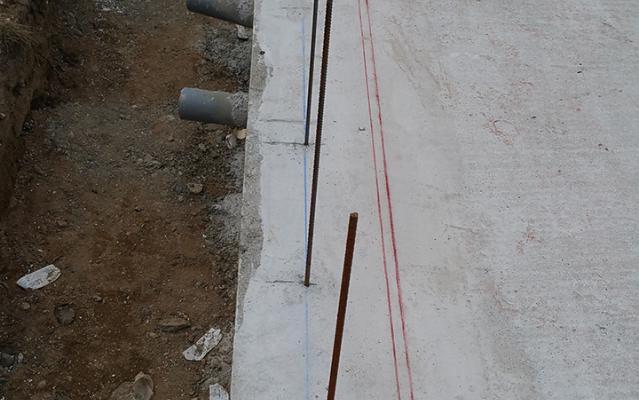 Installation des ferrailles prévoyant le déport des blocs coffrants
