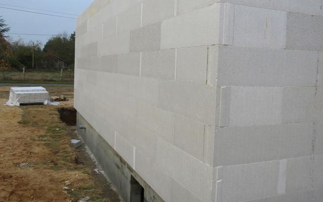 Déport des blocs constructifs LECOBLOC par rapport à la dalle